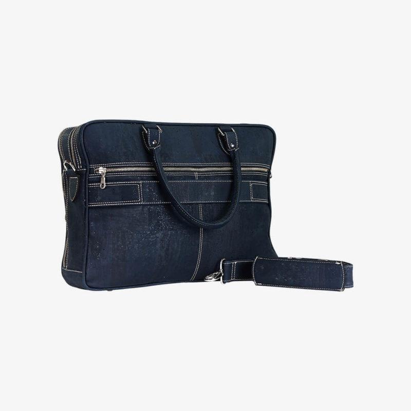 Laptophülle RALF dunkelblau aus Kork von Jorge Carmo mit Henkel und Schultergurt Ansicht von hinten rechts